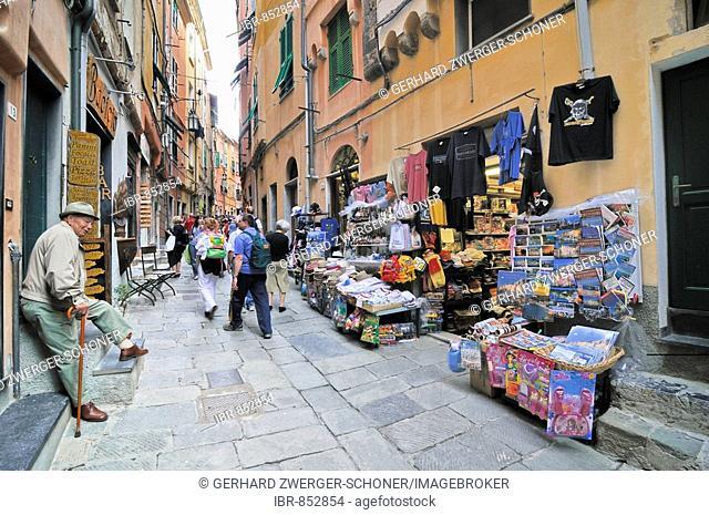 Alley with souvenir shops in Vernazzo, Liguria, Cinque Terre, Italy, Europe