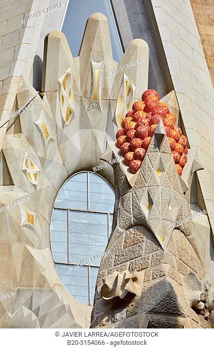 La Sagrada Familia Church, by the architect Antoni Gaudi, Barcelona, Catalunya, Spain, Europe