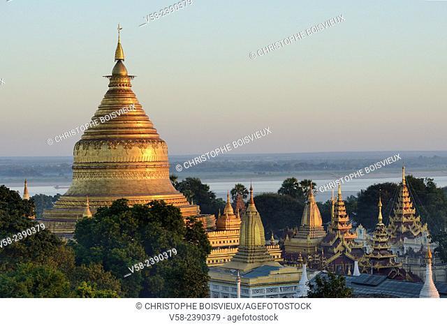 Myanmar, Bagan, Nyaung U, Shwezigon pagoda from above