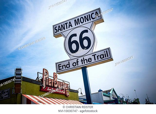 End of the Trail, Historic Route 66, Santa Monica, Los Angeles, USA