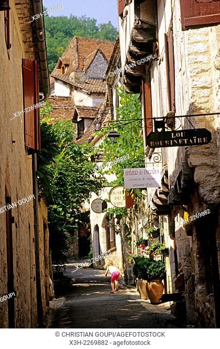 Saint-Cirq-Lapopie, Lot department, Midi-Pyrenees region, France, Europe