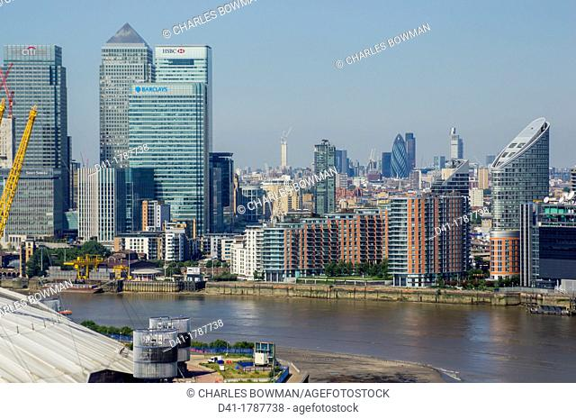 Europe, UK, England, London, Canary Wharf cityscape