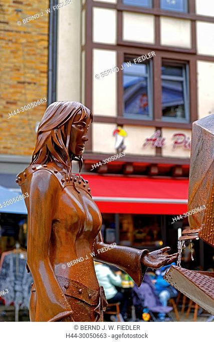 Berthe de La Roche, metal, statue, detail, La Smelling Roche-en-Ardenne Belgium