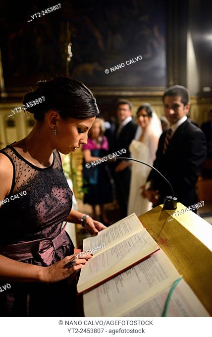 Wedding ceremony in El Pilar (The Basilica–Cathedral of Our Lady of the Pillar), Zaragoza, Spain