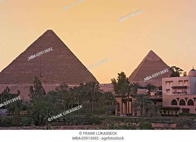 Egypt, Cairo, Giseh, pyramids, evening-mood