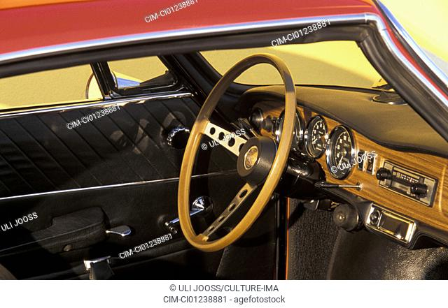 Car, Simca Bertone 1200 S, model year 1967-1971, vintage car, 1960s, sixties, 1970s, seventies, red, Coupé, Coupe, interior, Cockpit, technics, technical