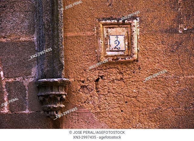 Old Christian Signal in the house number, Señal de Cristiano Viejo en el numero de la vivienda, House of the Sun, La casa de los Solís, Casa del Sol