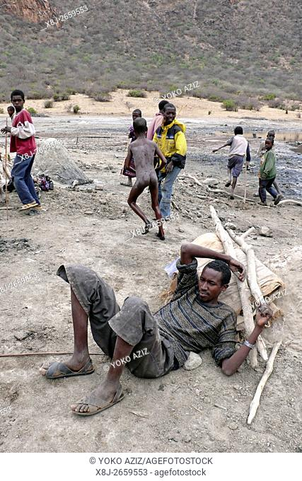 Frammenti di vita quotidiana nel cratere di El Sod (Etiopia)