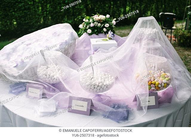 Table with pelleted wedding