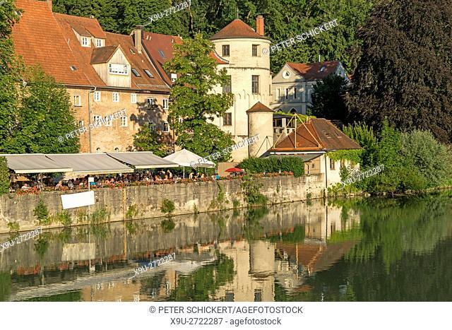 beer garden Lechgarten at the river shore in Landsberg am Lech, Upper-Bavaria, Bavaria, Germany, Europe