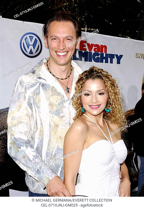 Steve Valentine, Silvia DeMarco at arrivals for Los Angeles Premiere of EVAN ALMIGHTY, Gibson Amphitheatre at Universal Studios, Los Angeles, CA, June 10, 2007