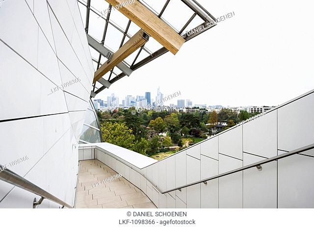 Louis Vuitton Foundation, private museum of modern art, architect Frank Gehry, the Bois de Bologne, Paris, Ile de France, France