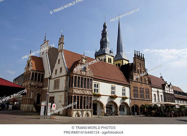 St. Nicolai church, old pharmacy and town hall at the market square, Lemgo, Lippe district, North Rhine-Westphalia, Germany / St