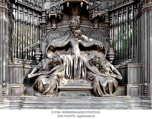 London, England, UK. Queen Alexandra Memorial [Sir Alfred Gilbert, 1932] in Marlborough Road