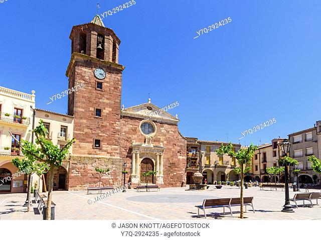 Iglesia de Santa Maria in Plaça Major, Prades, Baix Camp, Tarragona, Catalonia, Spain