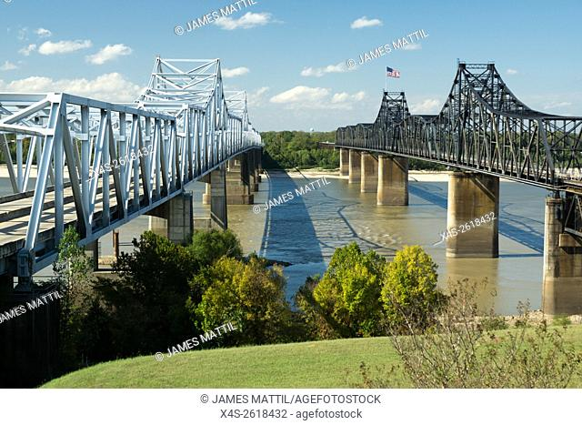 Old and new bridges across the Mississippi River at Vicksburg, TN