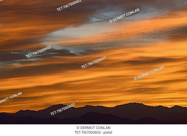USA, Colorado, Denver, Sky over Front Range at dusk