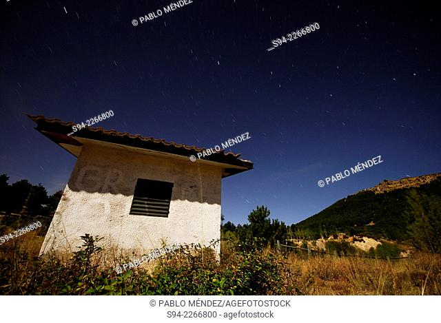 Hut at night in the outskirts of Bustarviejo, Madrid, Spain