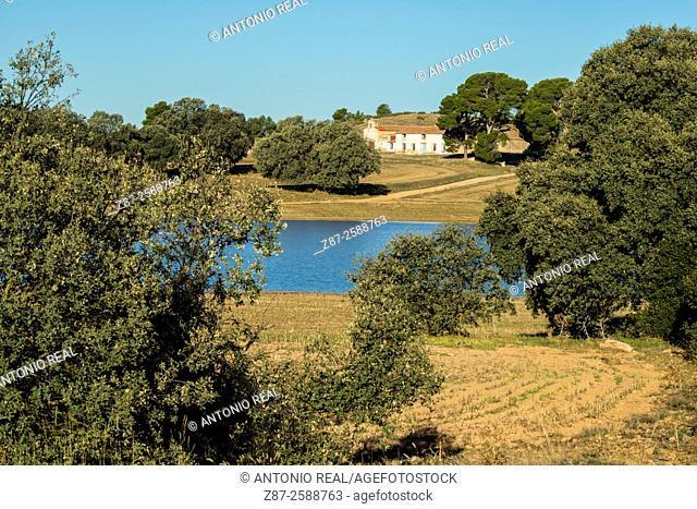 Paraje de Los Pozuelos and pond, Almansa, Albacete province, Spain