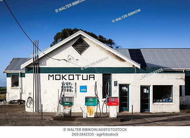 New Zealand, South Island, Southland, The Catlins, Mokotua, filling station
