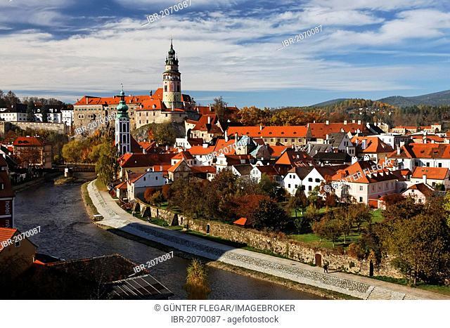 Ceský Krumlov Castle on the Vltava river, Cesky Krumlov, UNESCO World Heritage Site, South Bohemia, Bohemia, Czech Republic, Europe