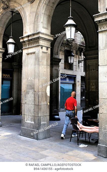 Ferran street. Entrance to the Plaza Real, Barcelona, Catalonia, Spain