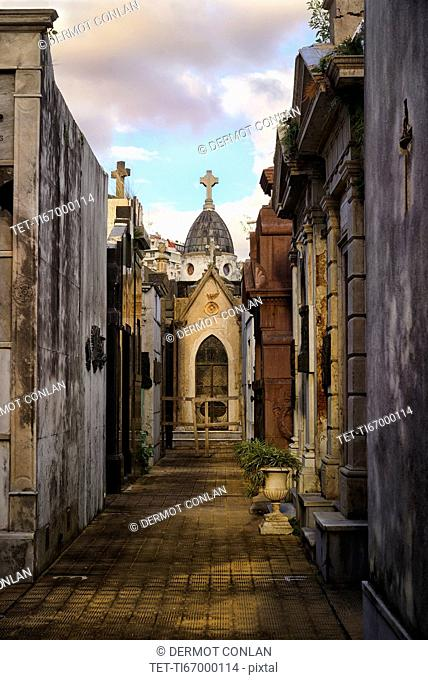 Evening light in Recoleta Cemetery