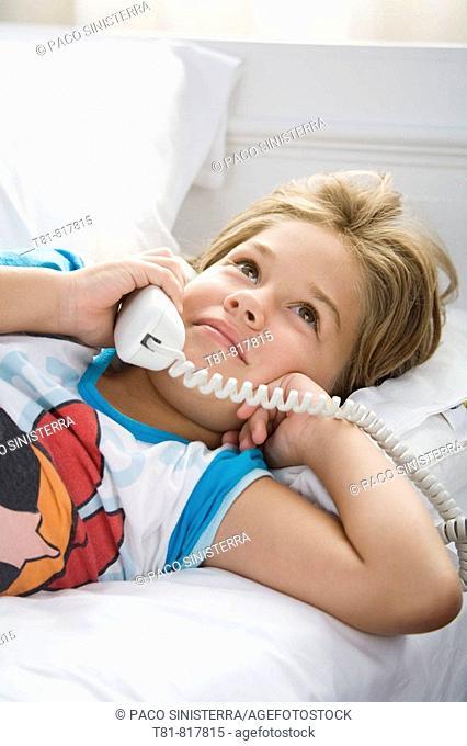 girl phoning