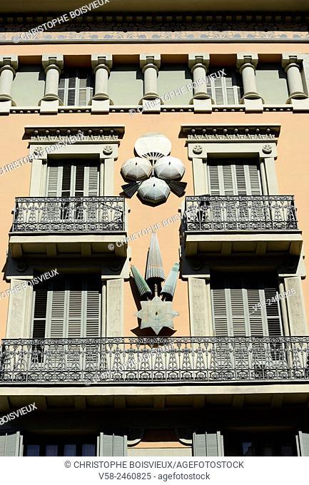 Spain, Catalonia, Barcelona, La Rambla, Casa dels Paraigues (umbrellaâ. . s house)