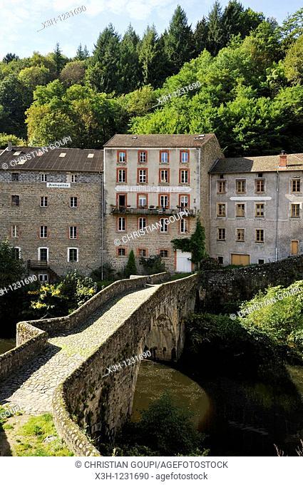 village of Olliergues on the Dore river, Livradois-Forez Regional Nature Park, Puy-de Dome department, Auvergne region, France, Europe