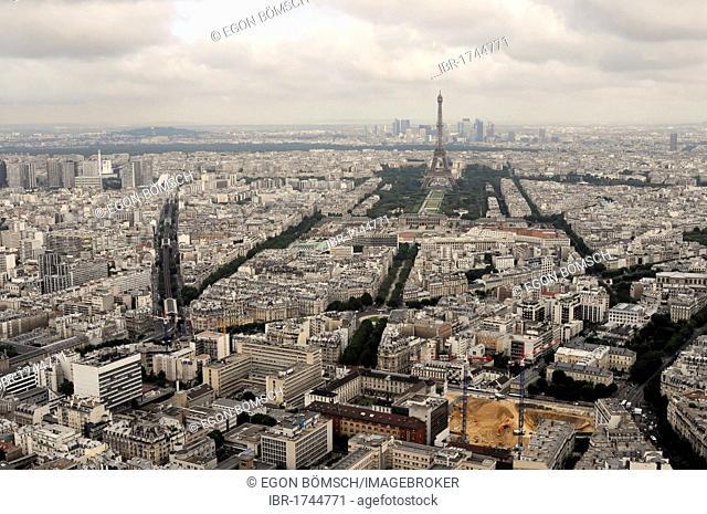 Views towards the Eiffel Tower, Montparnasse Tower, 210 m high, Paris, France, Europe