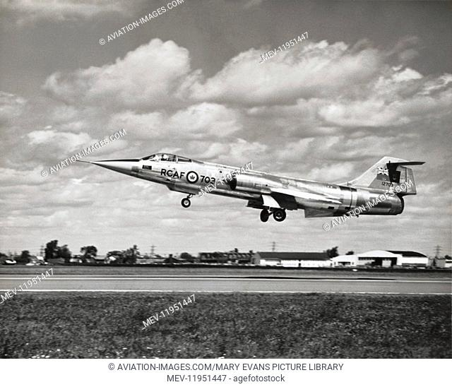 Royal Canadian Airforce Lockheed F-104G Starfighter Cf-104A Taking-Off