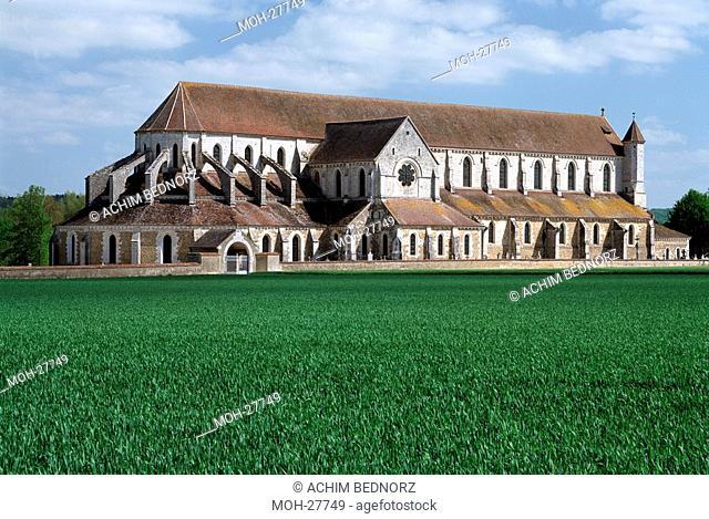 Pontigny, ehemalige Klosterkirche Notre-Dame-de-I'Assomption/ Querhaus und Umgangschor