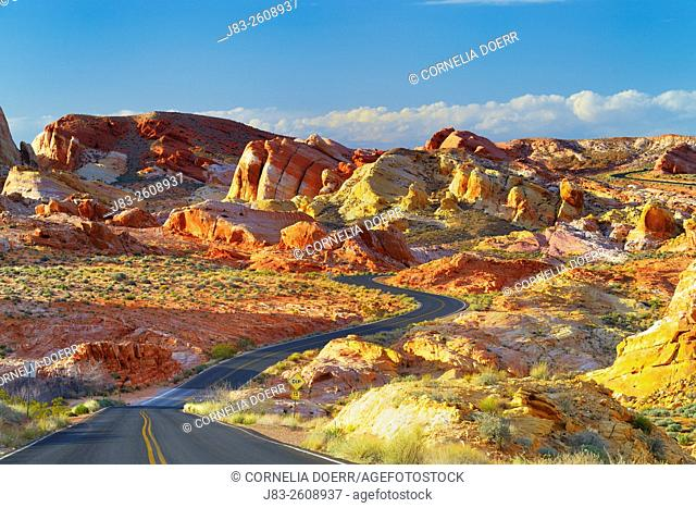 Road through the Valley of Fire State Park, the oldest state park in Nevada and a National Natural Landmark, Nevada, USA
