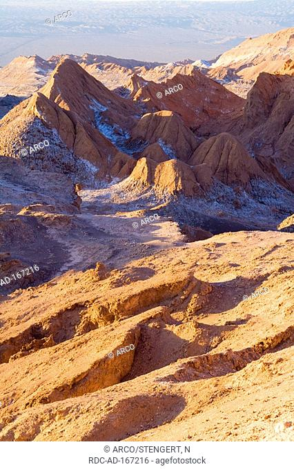 Valle de la Luna, San Pedro de Atacama, Chile, valley of the moon, desert landscape, Atacama desert