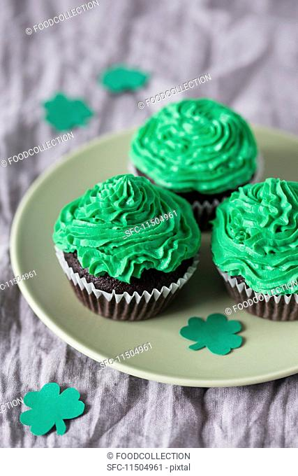 Cupcakes with green buttercream for St Patrick's Day