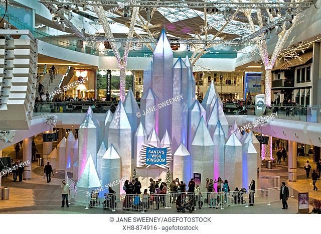 England, London, Shepherds Bush, Westfield shopping center