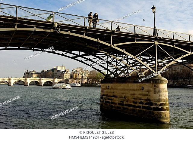 France, Paris, banks of the Seine river listed as World Heritage by UNESCO, Passerelle des Arts