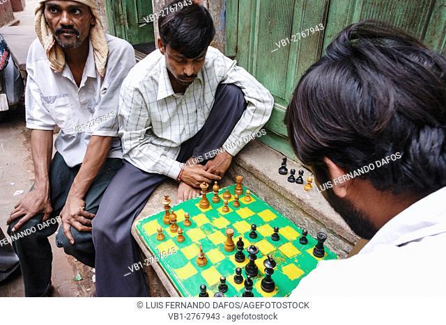 Chess players at the street in Varanasi, Uttar Pradesh, India, Asia