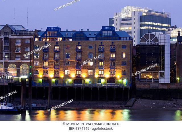 Docklands at night, London, England, United Kingdom, Europe