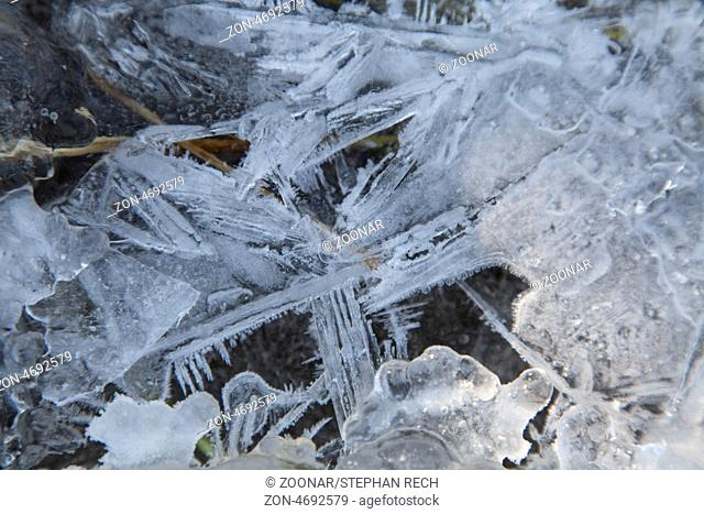 Strukturen von Eis und Schnee, Structures of ice and snow, Hesse, Fuldabrueck, Germany