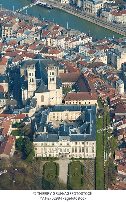 France, Meuse (55), Verdun town, Episcopal palace housing Worldewide Center of Peace and Notre Dame de Verdun cathedral (aerial view)