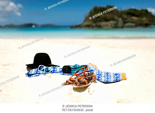 USA, Virgin Islands, Saint Thomas, Clothes left on beach