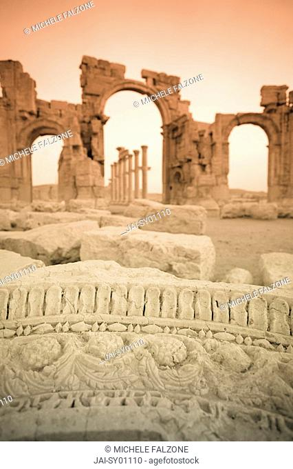 Syria, Palmyra ruins UNESCO Site, Great Colonnade and Monumental Arch