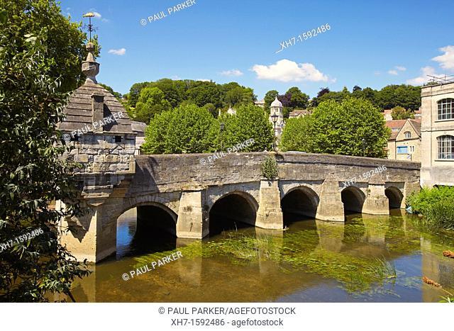 Town Bridge over the river Avon, Bradford on Avon, Wiltshire, England, UK