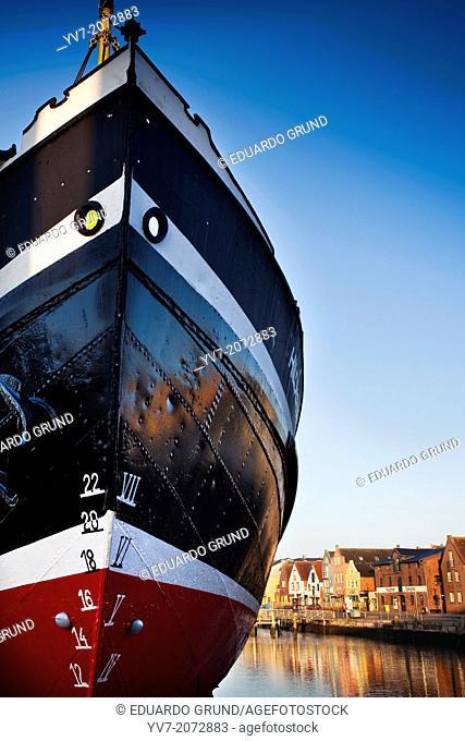 Port of Husum at dawn. Husum, North Friesian Islands, Schleswig-Holstein, Germany, Europe