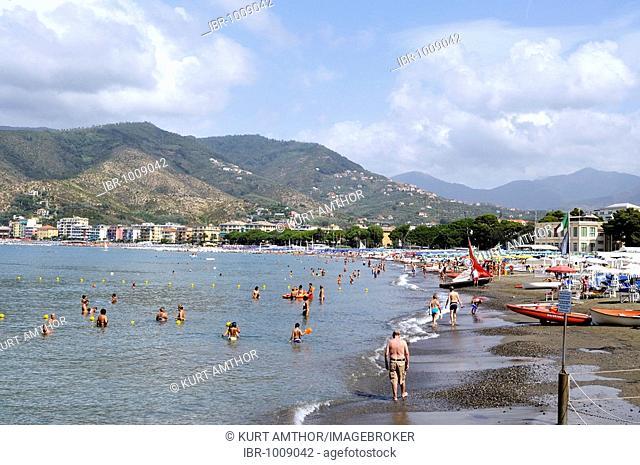 Beach at Moneglia, Riviera di Levante, Italy, Europe