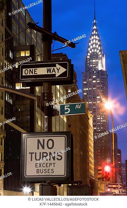 42 nd St at 5 Av  Chrysler building and traffic signals,New York City, USA
