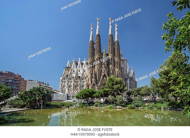 Gaudi, world heritage, architecture, art, Barcelona, Catalonia, colourful, no cranes, famous, Sagrada Familia, skyline, Spain, Europe, touristic, towers, travel