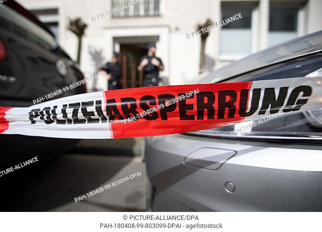 08 April 2018, Münster, Germany: ..A police cordon can be seen in front of the appartment building of the amok driver's home